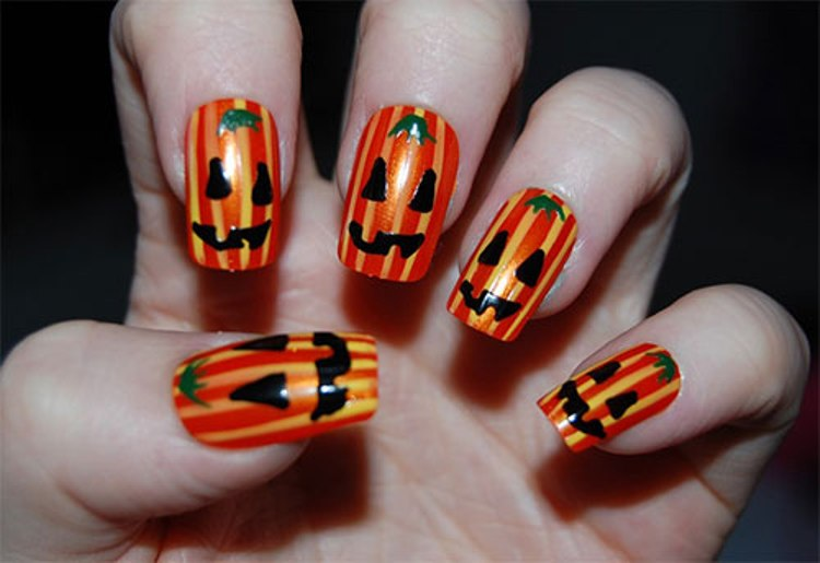 2-Pumpkin-nail-design-for-halloween